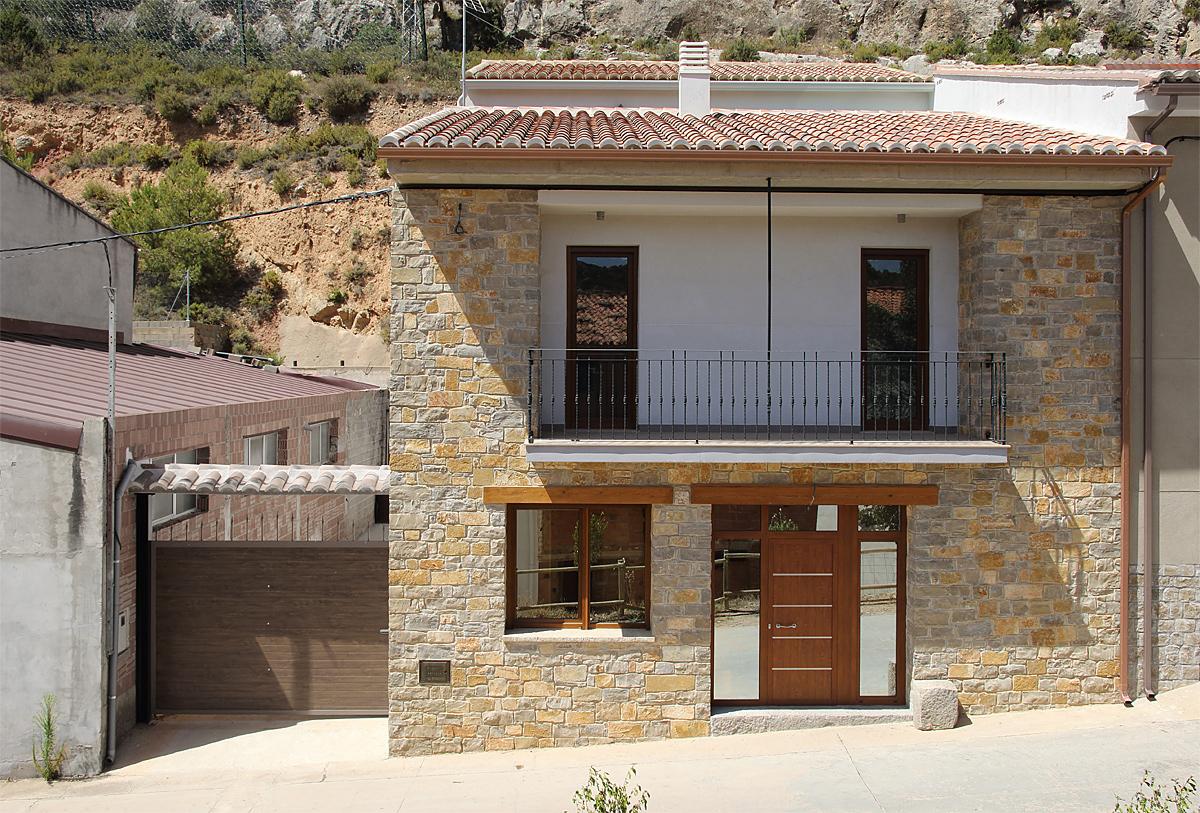 Arquitecto valencia vivienda en alpuente valencia for Arquitectos valencia
