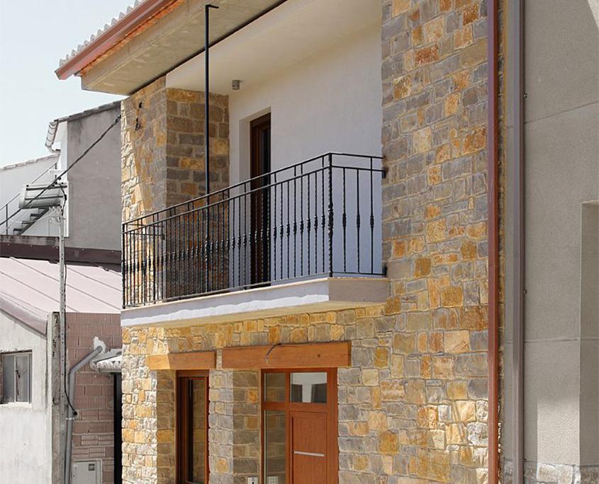 Arquitecto valencia vivienda en alpuente valencia - Estudios arquitectura valencia ...